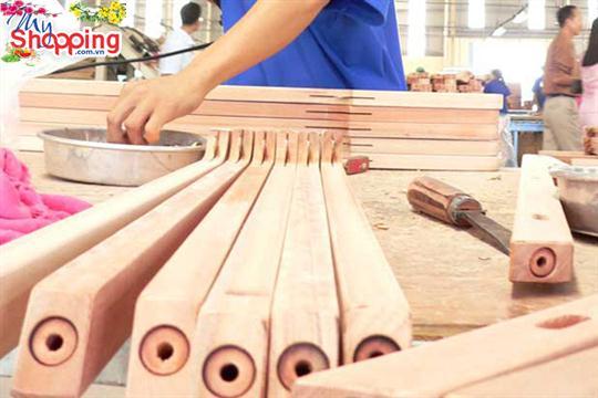 Việt Nam xuất khẩu đồ gỗ đứng thứ 4 thế giới